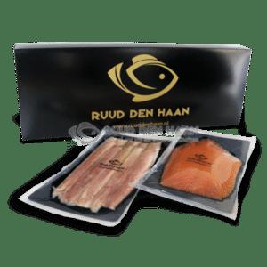 Ambachtelijk gerooktezalm en paling in een luxe geschenk verpakking